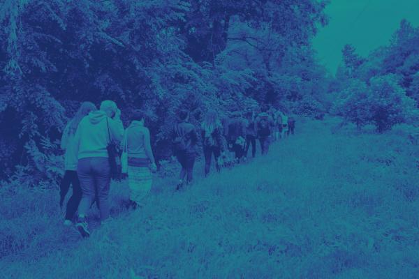 Walking by the Water — Competiție de mers pe jos prin parc cu surprize